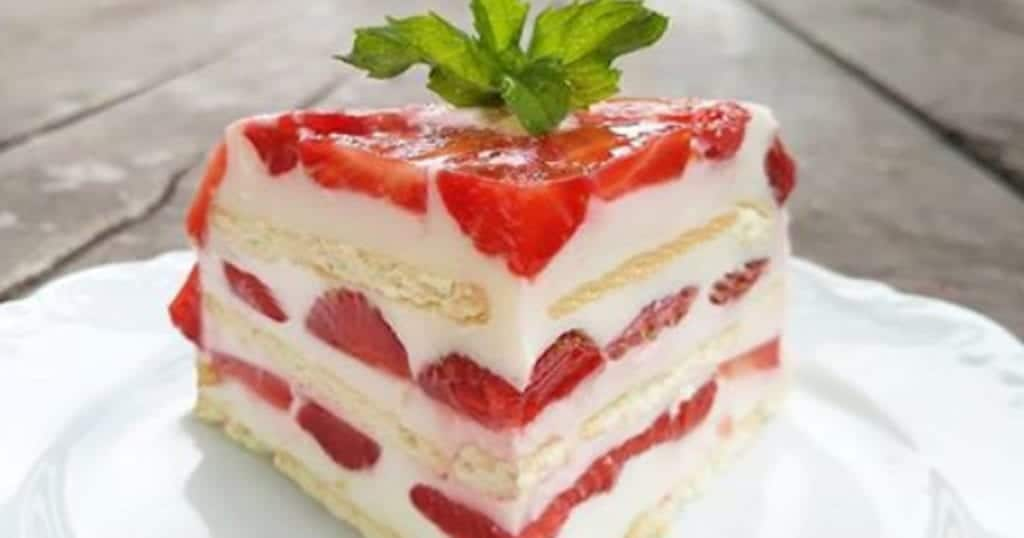 Make a strawberries cake